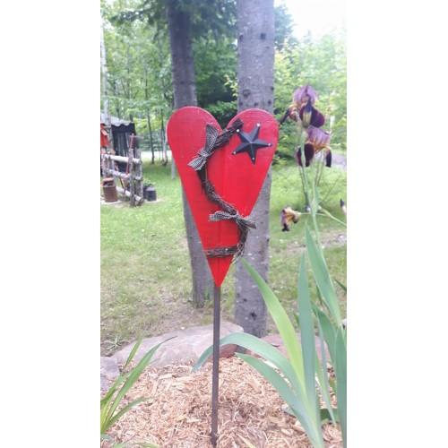 Piquet de jardin coeur for Piquet decoratif jardin
